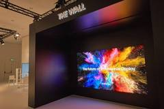 "Samsung ""The Wall"" modularer 146 Zoll (371 cm) MicroLED TV"